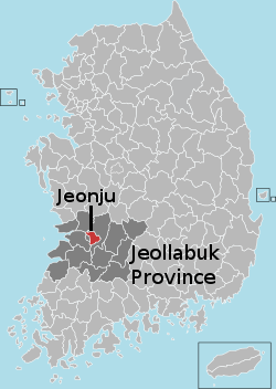The map shows that Jeollabuk Provine is in west-central South Korea, and that Jeonju is in the center of Jeollabuk Province.